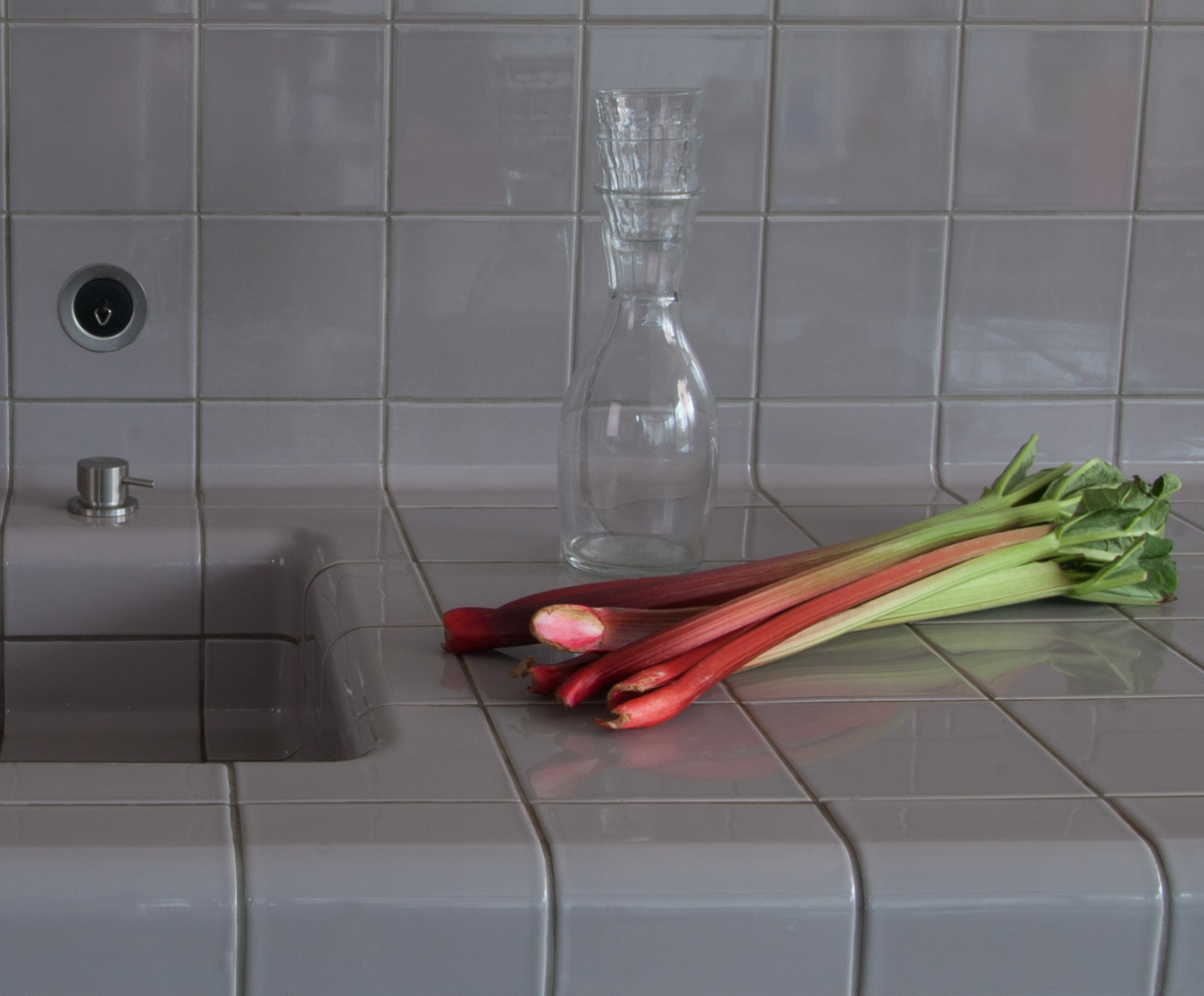 three-dimensional tiled kitchen counter, functional and construction modern rounded tiles available in multiple colors
