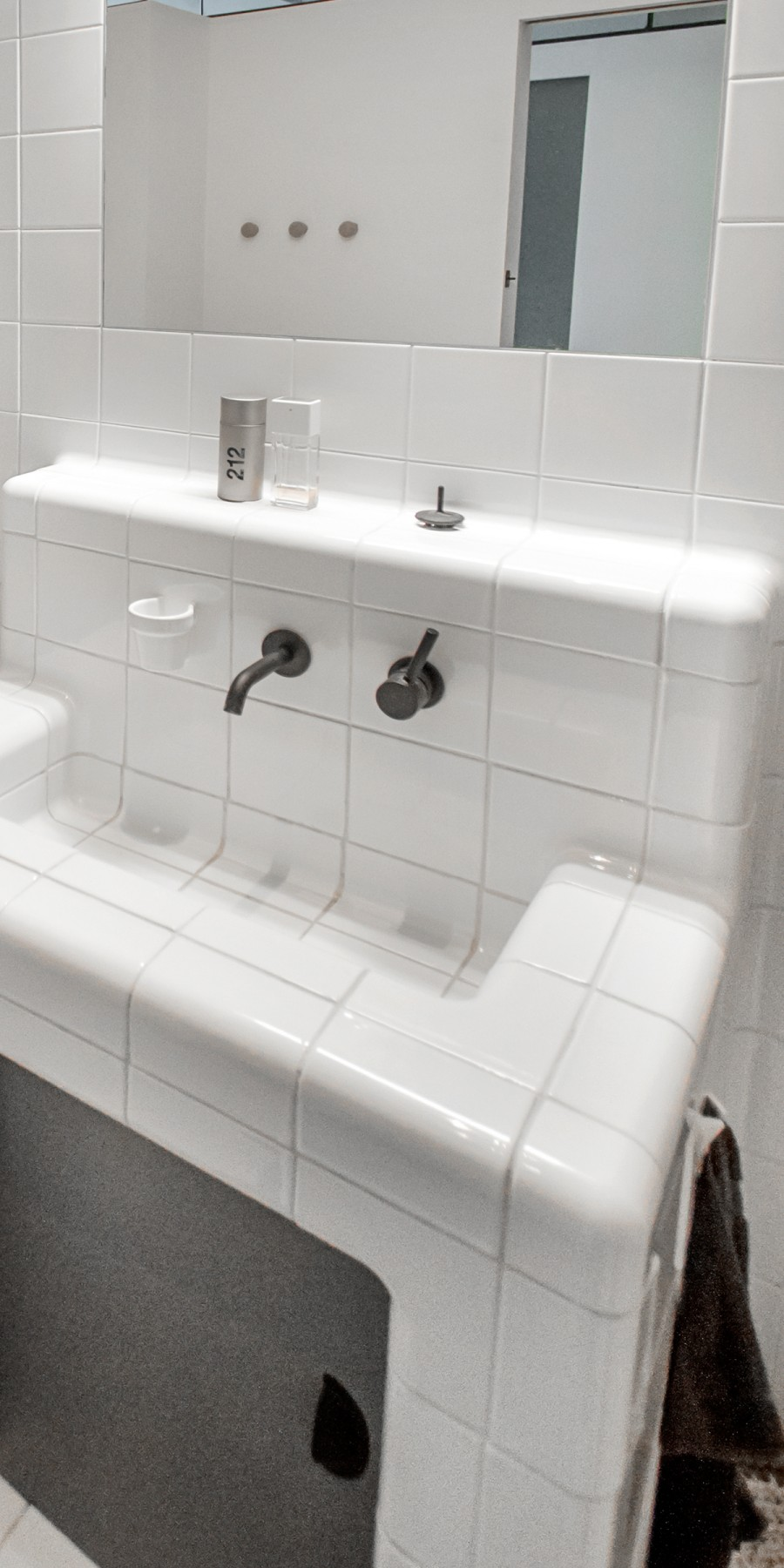 three-dimensional tiled sink with cup and tap, tiles with rounded 3d corners and integrated functions
