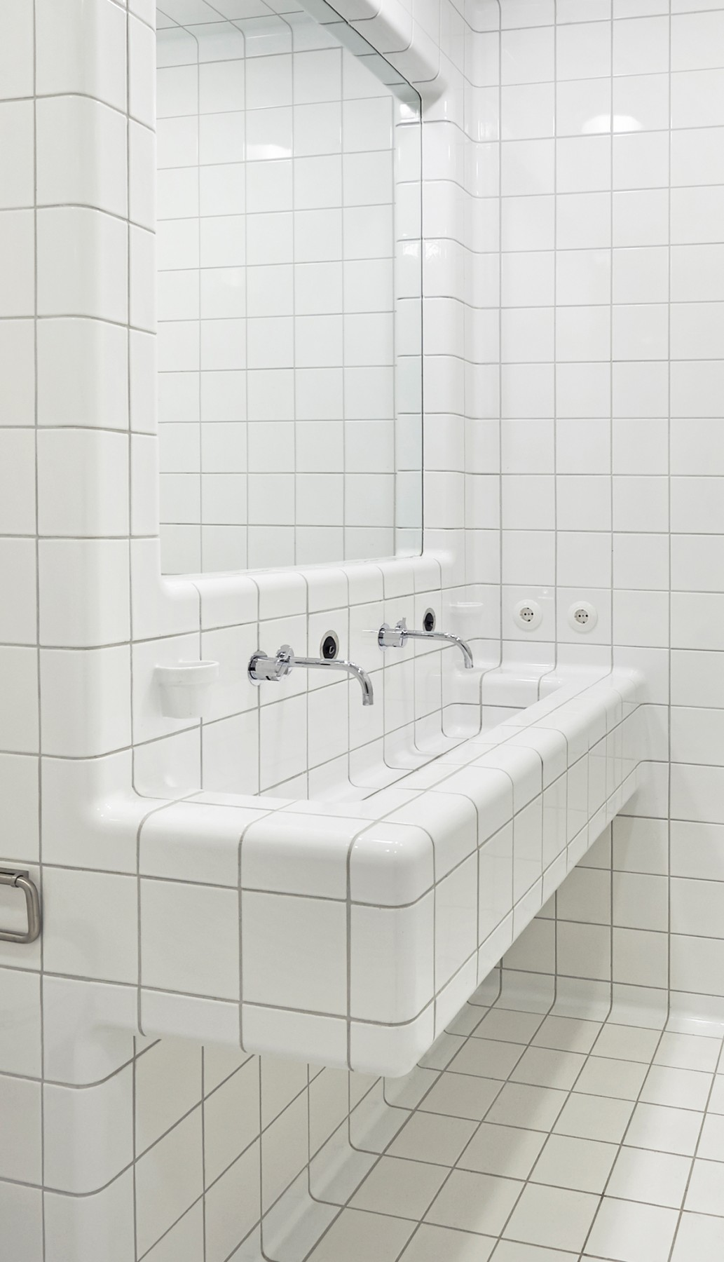 3d tiled sink, modern rounded three-dimensional construction and functional tiles available in multiple colors