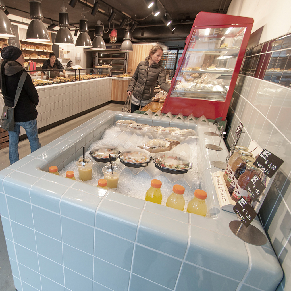 working table bakery with rounded tiles