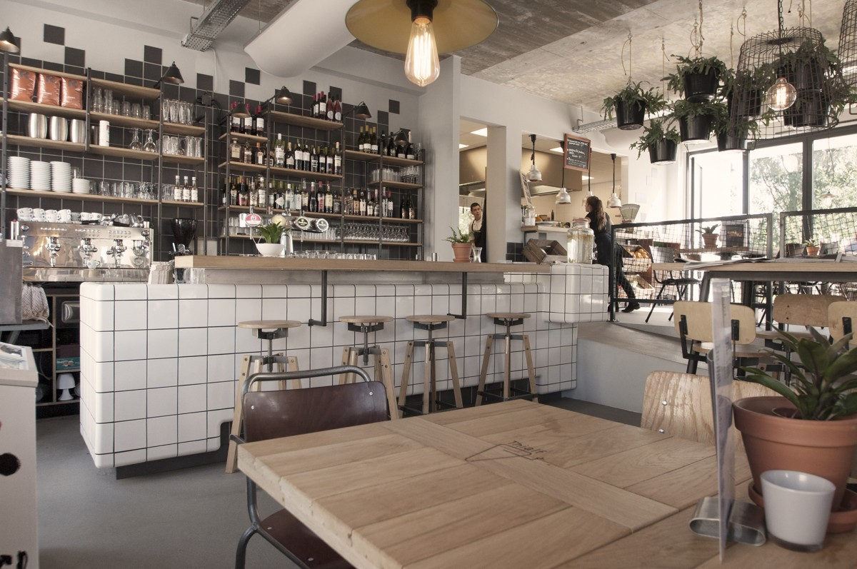 bar with rounded 3d tiles