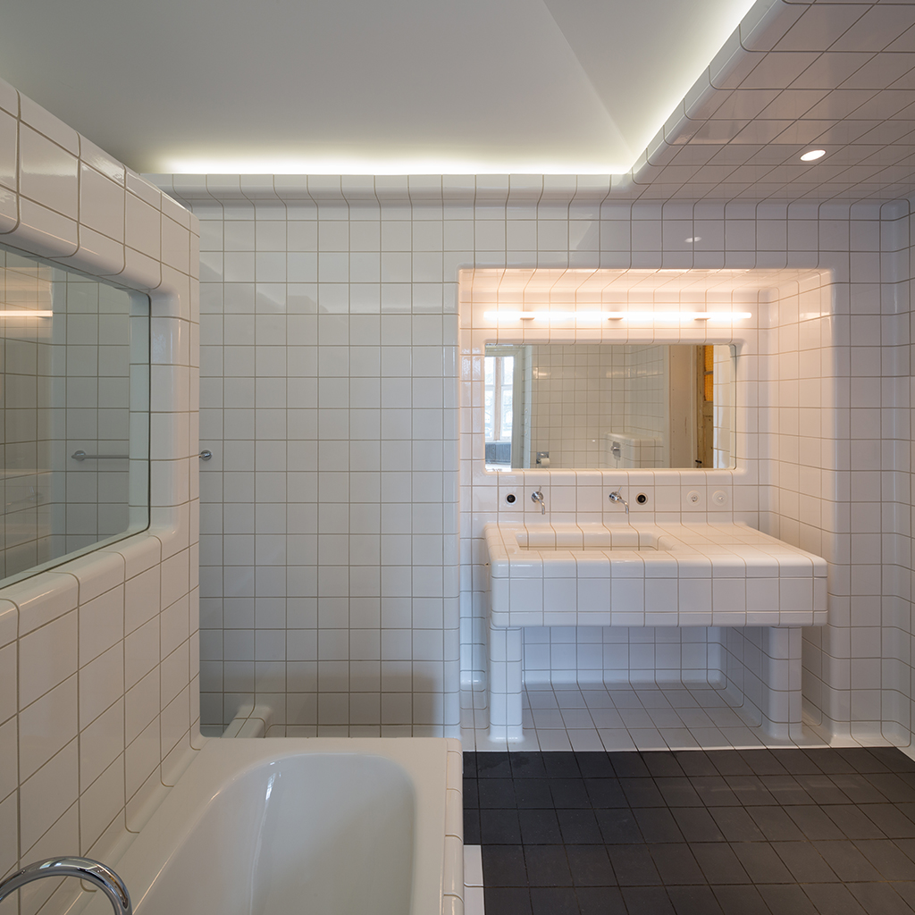 3d bathroom design with rounded tiles