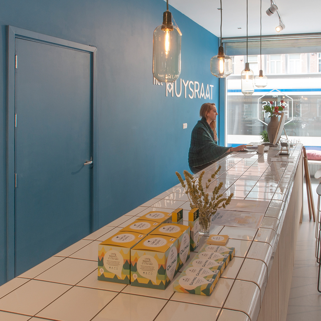counter furniture shop amsterdam with rounded tiles