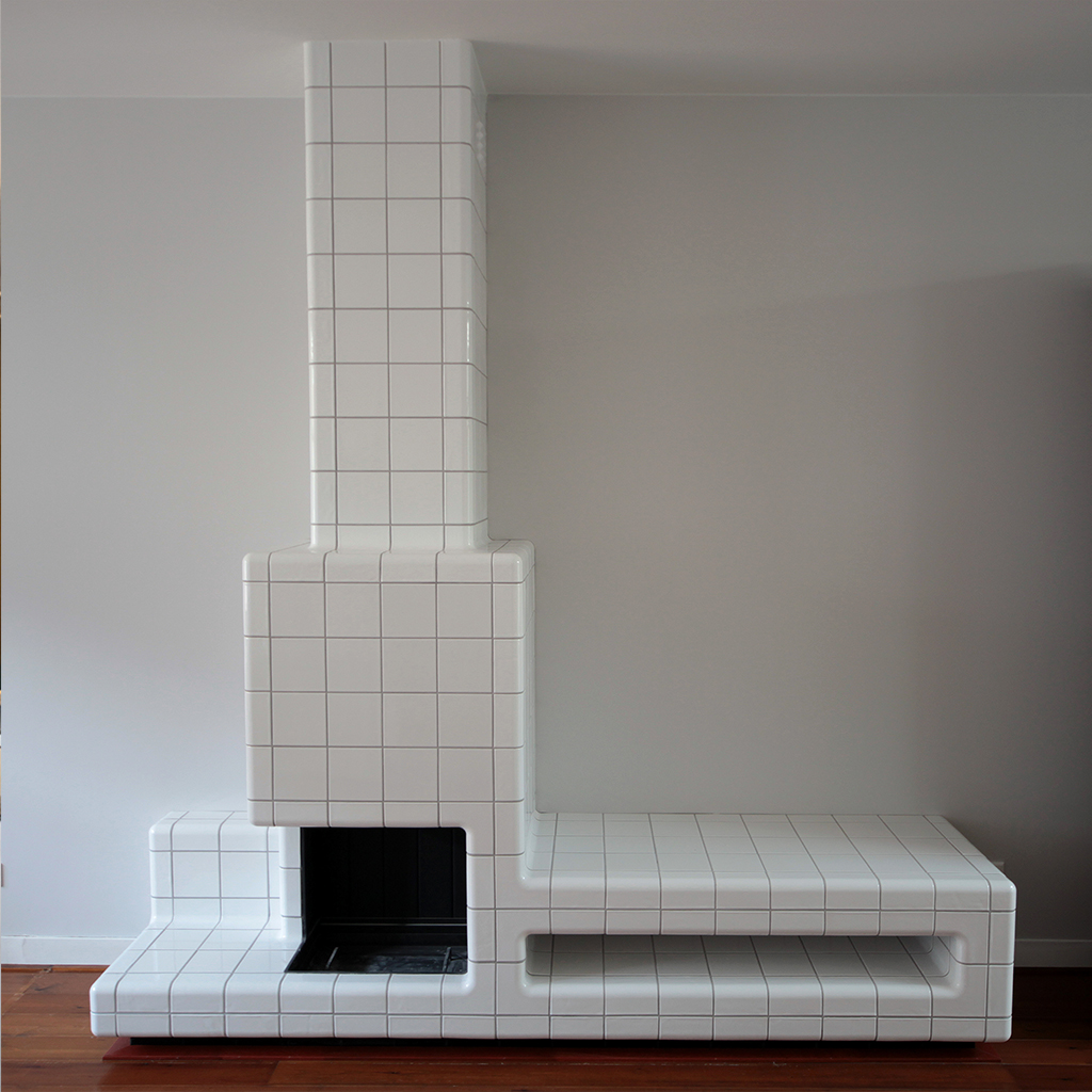 tiled fireplace with threedimensional corners